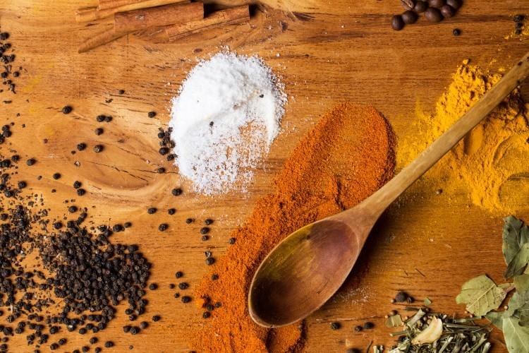 Soľ a korenie sú účinné proti mravcom