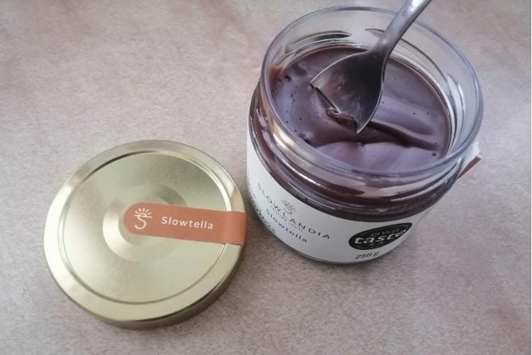 Slowtella – Lieskovcovo-kakaový krém konzistencia chuť
