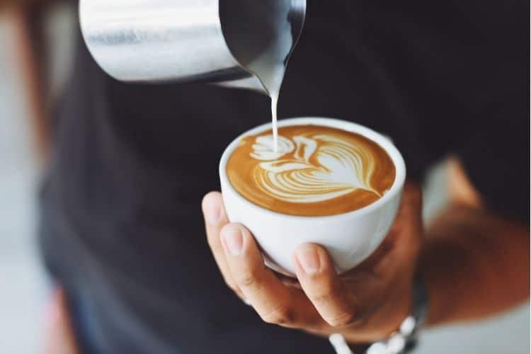 Ako si doma pripraviť kávu ako z kaviarne