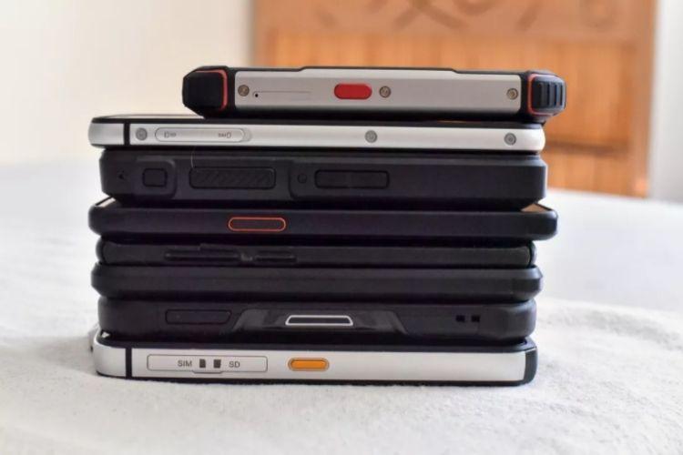 porovnanie odolných mobilov a klasických