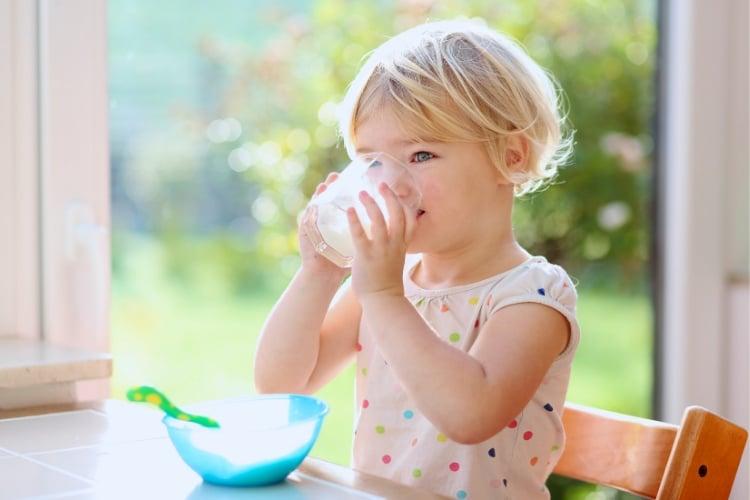 je rastlinné mlieko vhodné pre deti?