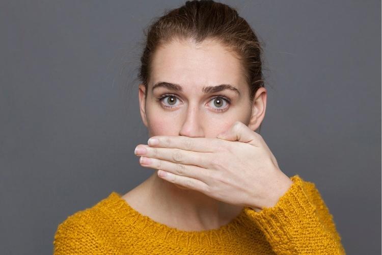 zápach z úsť liečba